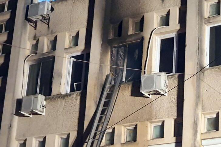 Зараженные коронавирусом погибли при пожаре в больнице Румынии 1