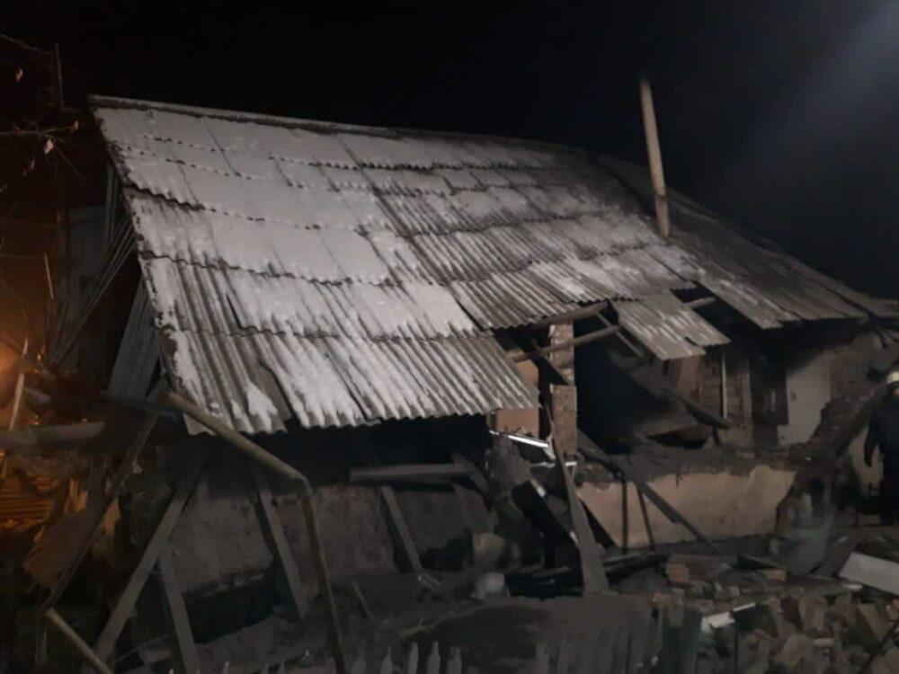 Восемь человек пострадали при взрыве в частном доме Талдыкоргана 1