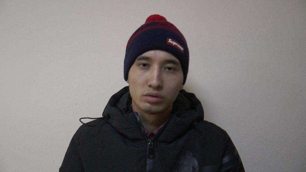 Троица лжеполицейских грабила детей в Алматы 3