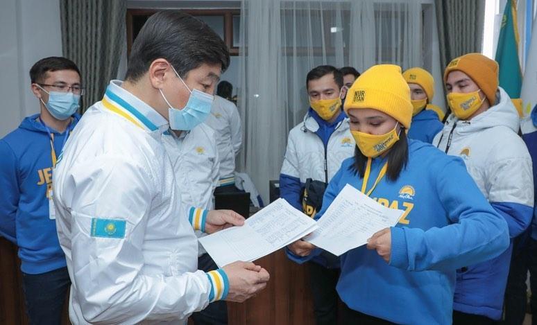 Бауыржан Байбек в Туркестане встретился с активистами Jas Otan 2