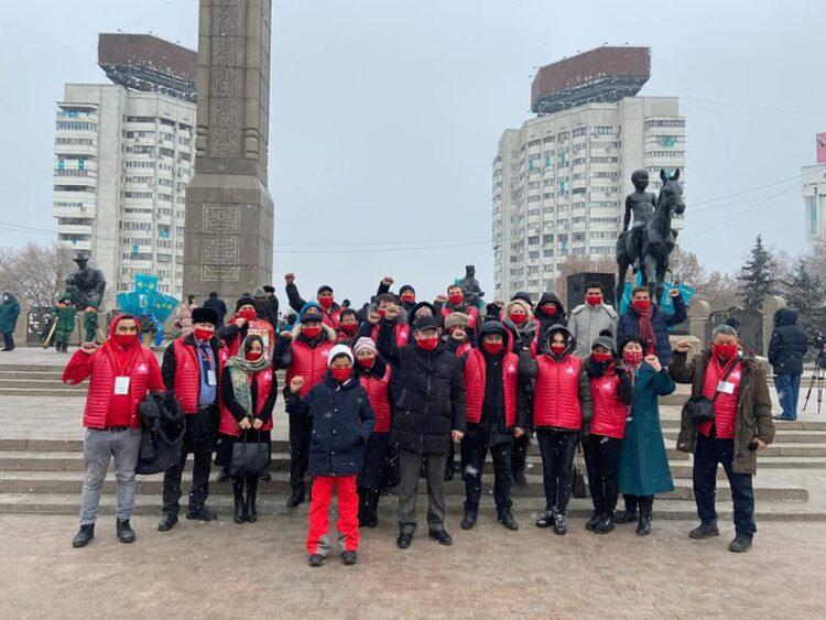 Партийцы НПК возложили цветы к Монументу Независимости Казахстана 1