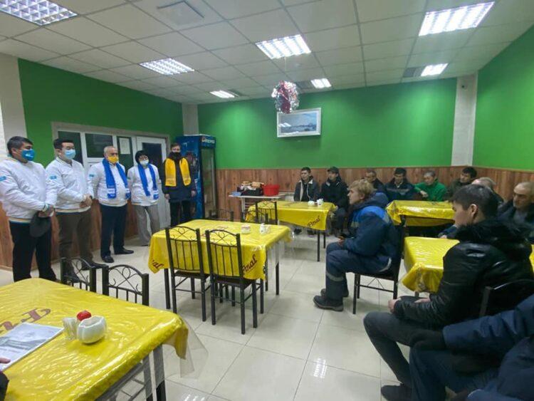 Улучшить качество дорог в Актау пообещал Nur Otan 1