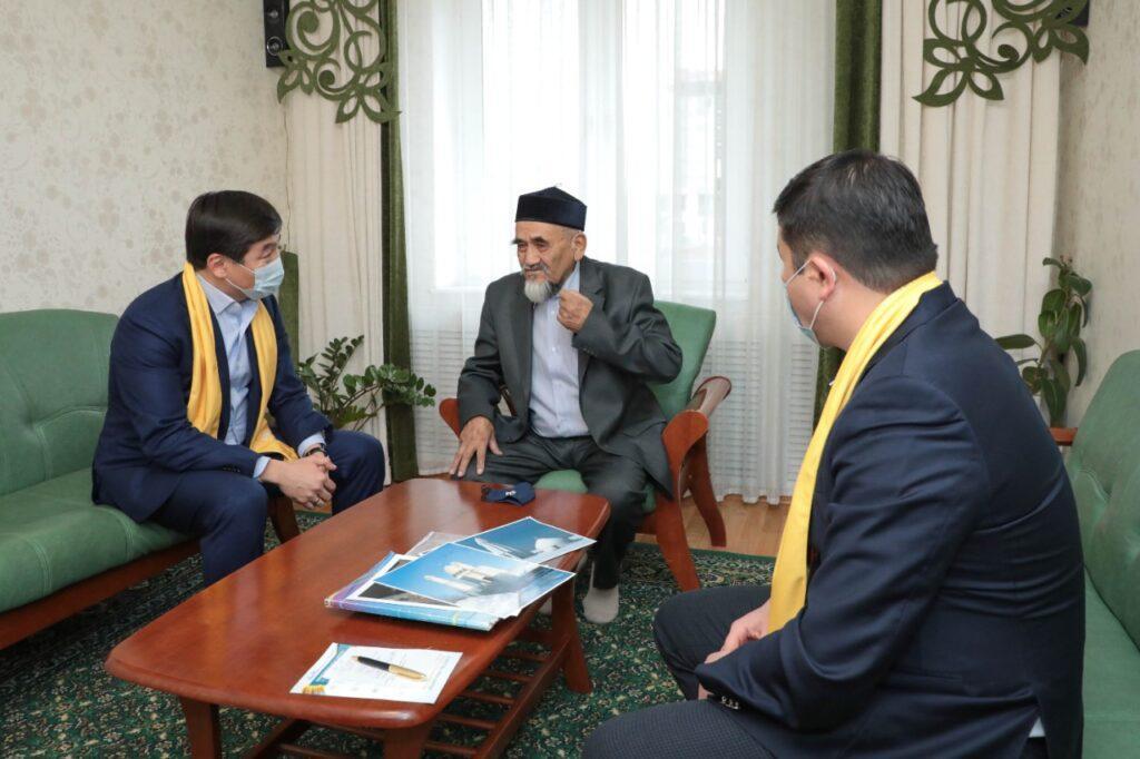 Как будут помогать кандастар-соотечественникам? Штаб Nur Otan прибыл в Актау 2