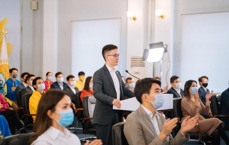Jas Otan предложил учредить в Казахстане День молодежи