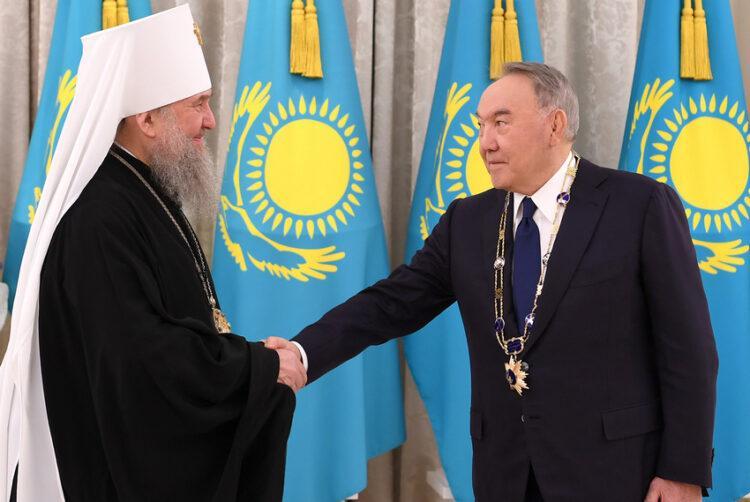 Елбасы вручили высшую грамоту Православной Церкви Казахстана 1