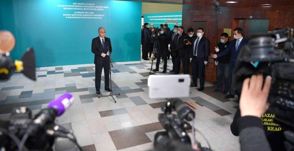 Токаев проголосовал на парламентских выборах 1