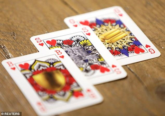 В Европе придумали гендерно-нейтральные игральные карты 1
