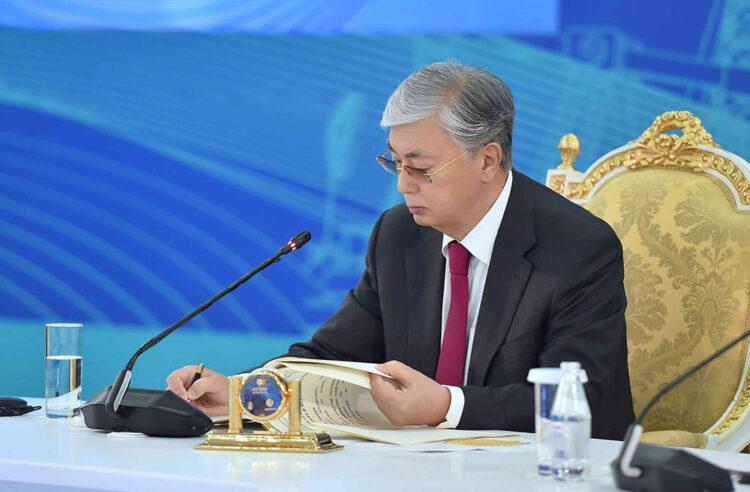 Токаев подписал изменения в закон 1