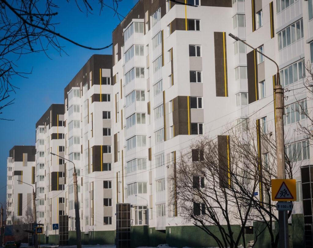 Стены по швам: 400 семей Нур-Султана переезжают из ветхих домов 1