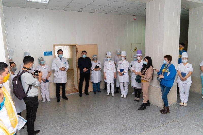Члены партии Nur Otan заверили врачей в Акмолинской области, что смогут решить проблемы в медицине 1