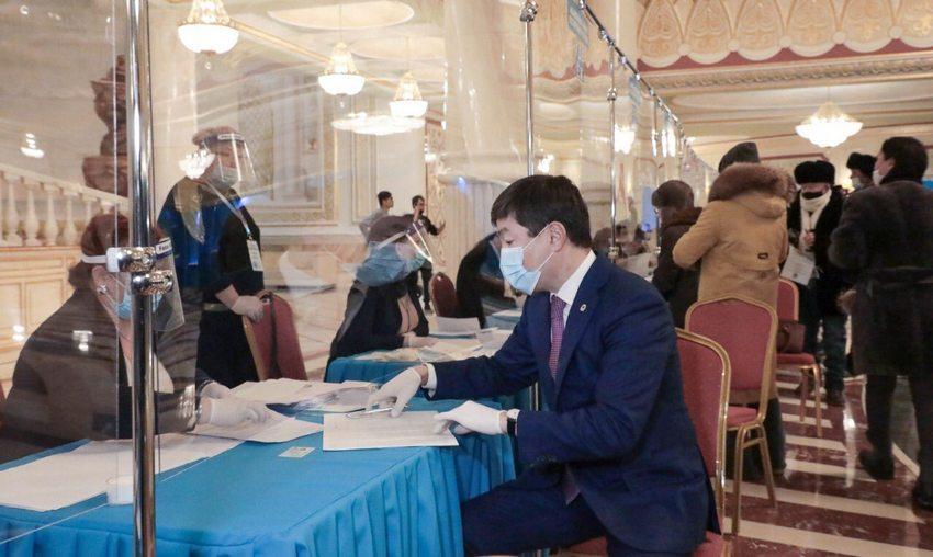 Бауыржан Байбек проголосовал на парламентских выборах 1