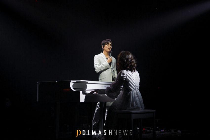 Димаш на своем концерте DIMASHDIGITALSHOW спел на шести языках 2