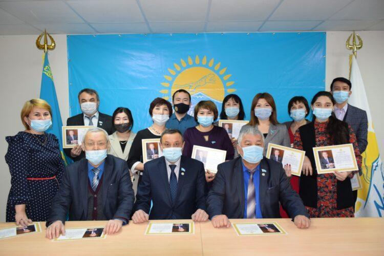 Елбасы поблагодарил сторонников Nur Otan за активное участие в агитационной кампании 1