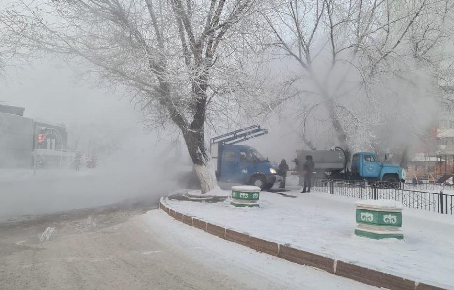 Жители Павлодара остались без тепла из-за аварии на теплотрассе 2