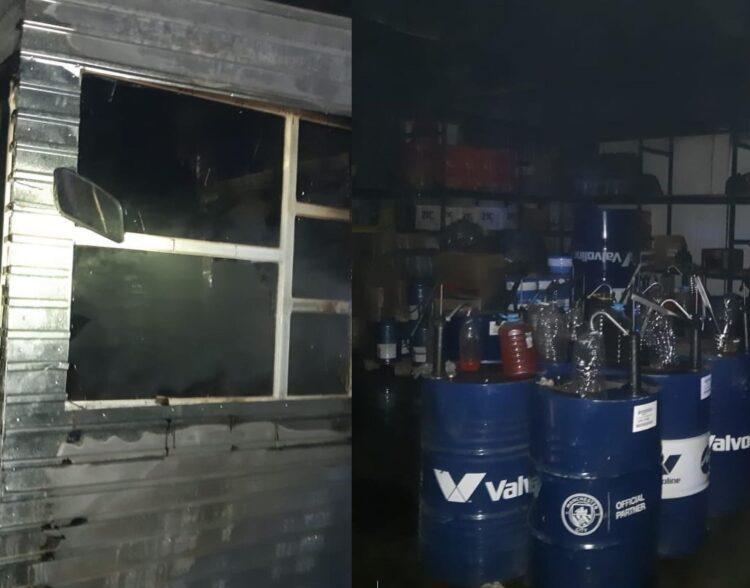 В Павлодаре горел склад с автомаслами 1