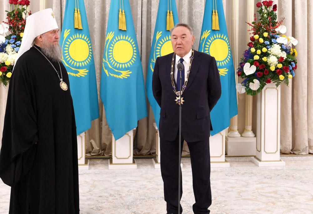 Елбасы вручили высшую грамоту Православной Церкви Казахстана 2