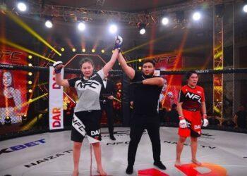 По стопам брата. Сестра бойца UFC Рахмонова дебютировала с победы в профессиональном ММА 2