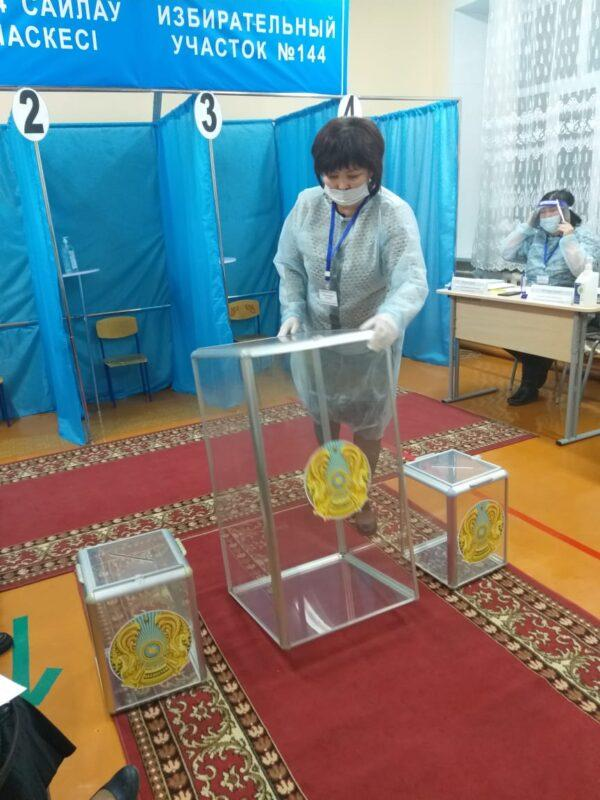 Наблюдатель из Караганды рассказала, как проходят выборы 1