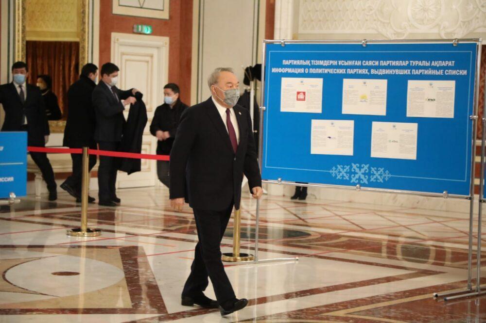 Елбасы проголосовал на парламентских выборах 3