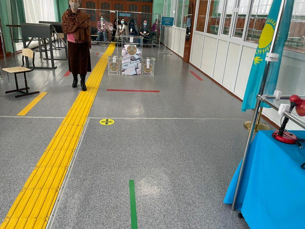 Наблюдатель из Нур-Султана удивился посещаемости избирателей 1