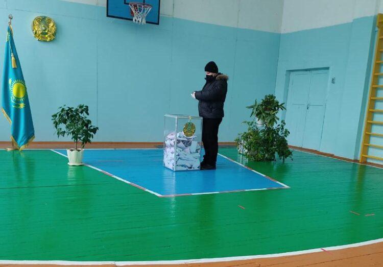 Наблюдатель: На выборы астанчане приходят с периодичностью в две-три минуты 1