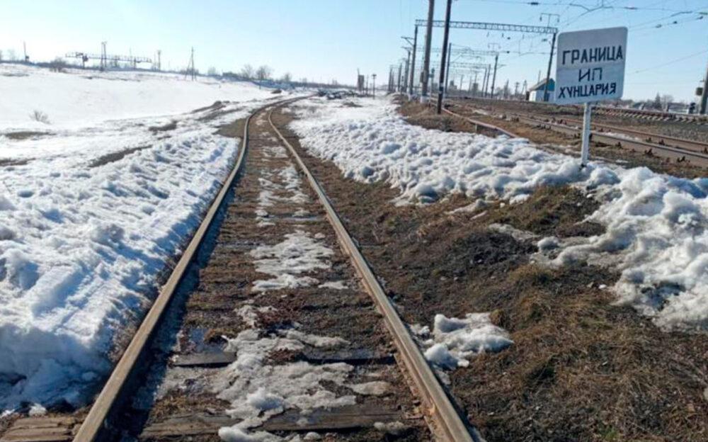 Семь тысяч бутылок водки, шнурки и рога марала продают госорганы в Казахстане 2