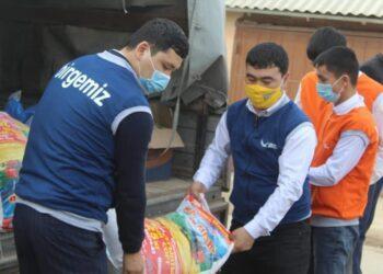 100 малообеспеченных семей получили продуктовую помощь от депутата из Туркестанской области 3