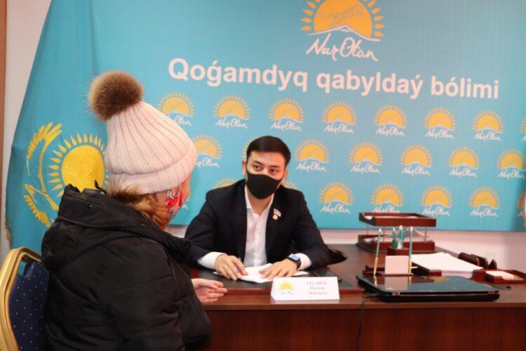 Депутат помог двум малообеспеченным семьям из Кызылорды 1