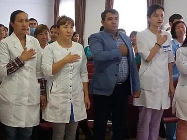 Жена главного врача больницы в ЗКО незаконно получала зарплату 1