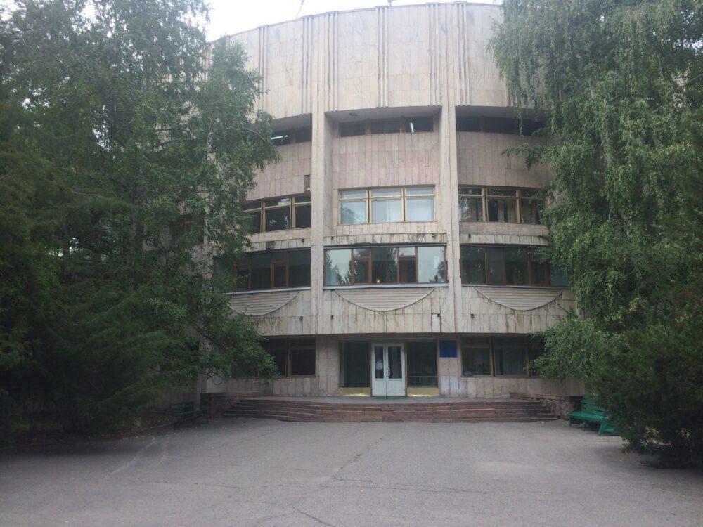 Роды в Казахстане. Обзор клиник Нур-Султана и Алматы