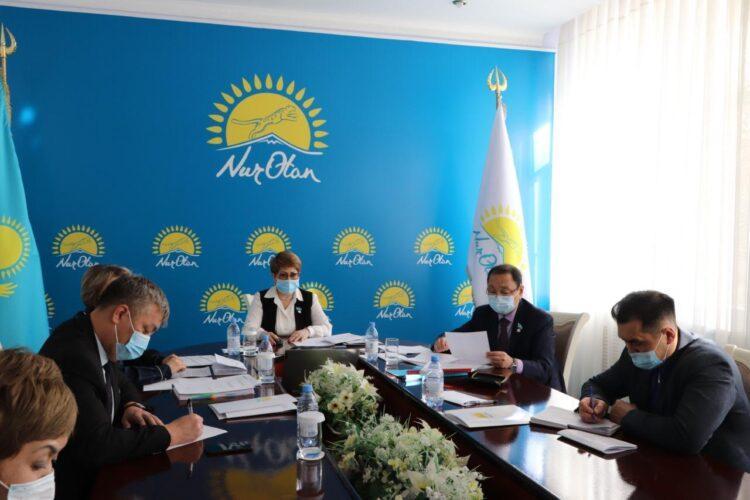 В Карагандинской области прошло заседание депутатской фракции Nur Otan 1
