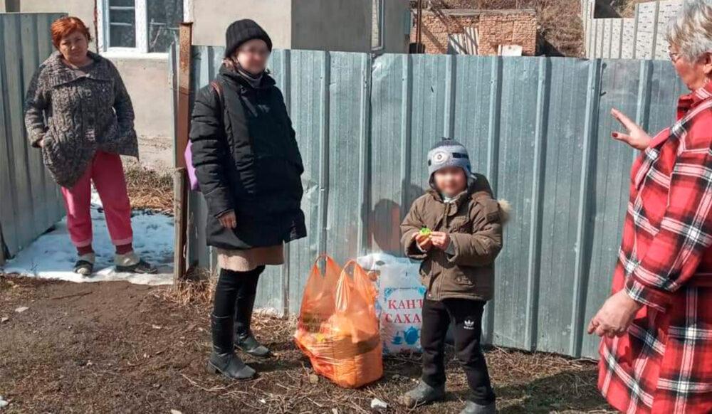 350 нуждающихся семей получили продуктовые корзины в Алматинской области 2