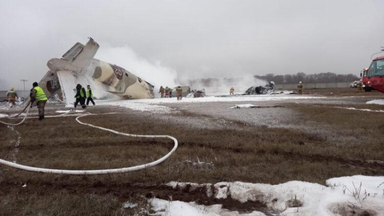Будто бомба взорвалась - очевидцы о падении самолета под Алматы 1