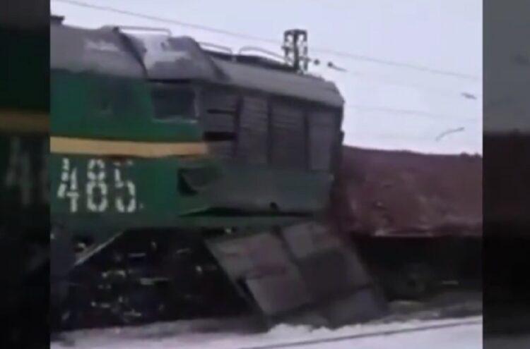 В Жезказгане столкнулись два грузовых поезда 1