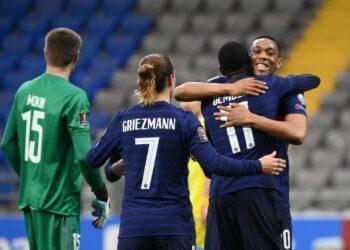 Автогол и незабитый пенальти: сборная Казахстана проиграла Франции 3
