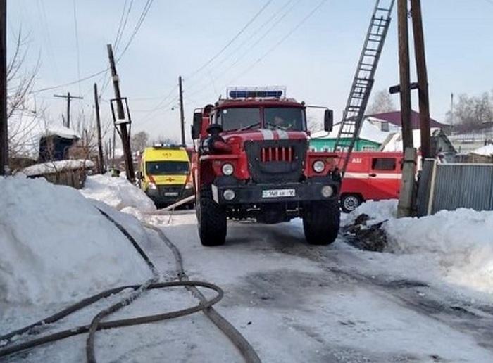 Женщину-инвалида спасли пожарные в ВКО 2