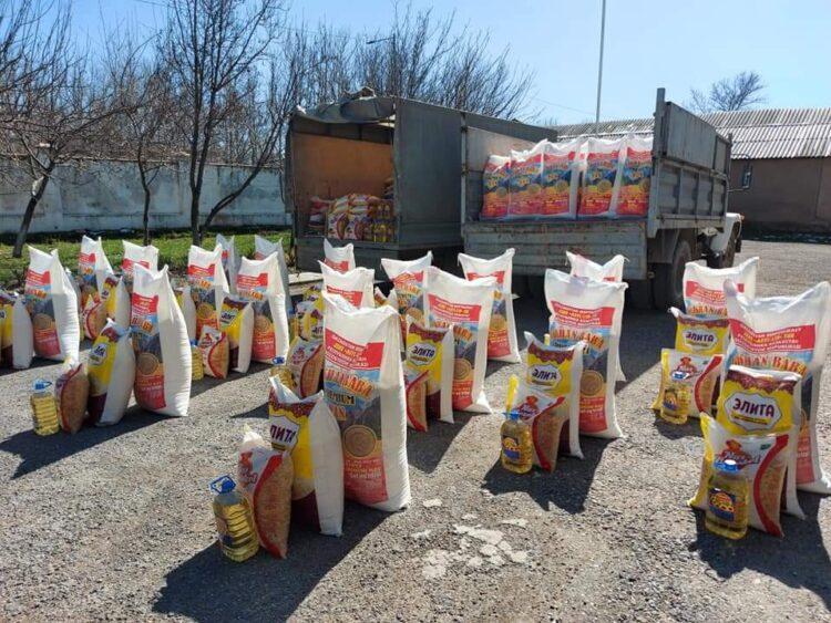 Туркестанский депутат раздала 112 семьям продукты в канун Наурыза 1