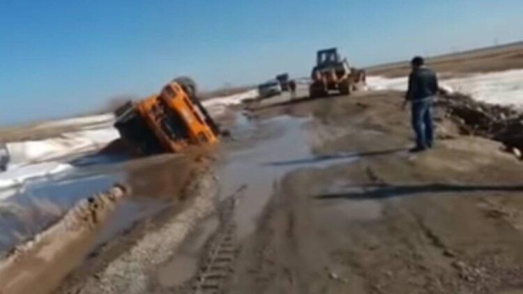 Умер на месте: мужчина утонул в грязевой яме в Акмолинской области 1