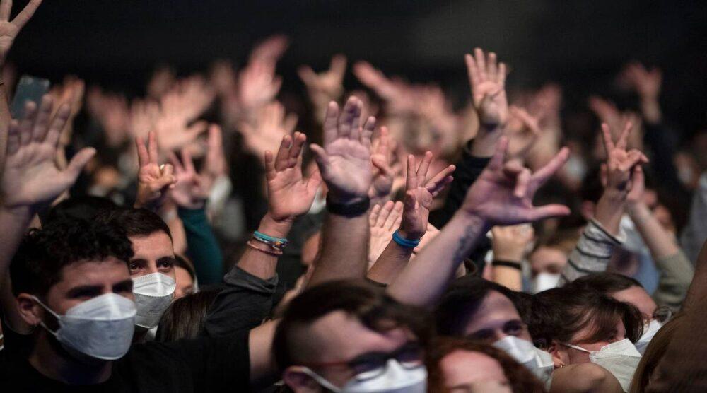 Концерт в Барселоне на пять тысяч человек не вызвал вспышки коронавируса. Как им это удалось
