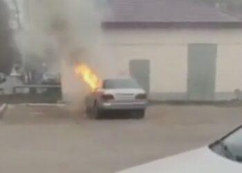 Астанчанин поджег машину своей девушки 2
