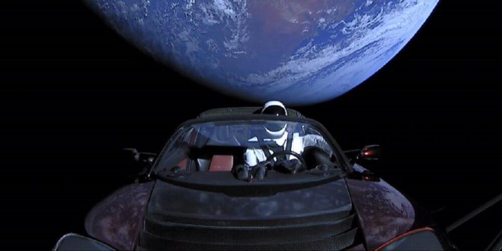 Самые необычные вещи, которые побывали в космосе 2
