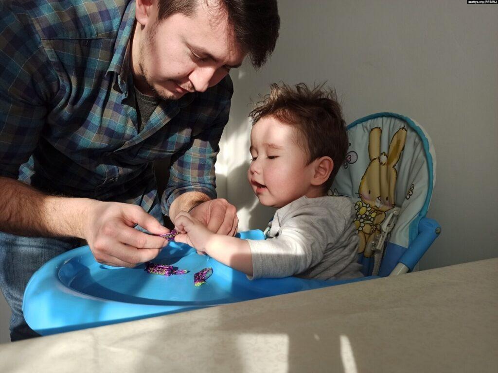 Таких, как Эмир, еще 200 детей по Казахстану: семья Шахмаровых о лечении за миллиард тенге 2