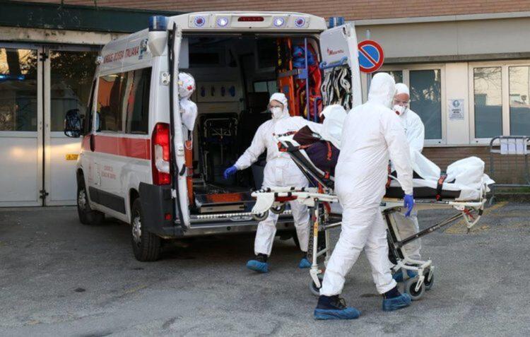 Пандемия коронавируса не кончится в 2021 году – эпидемиолог