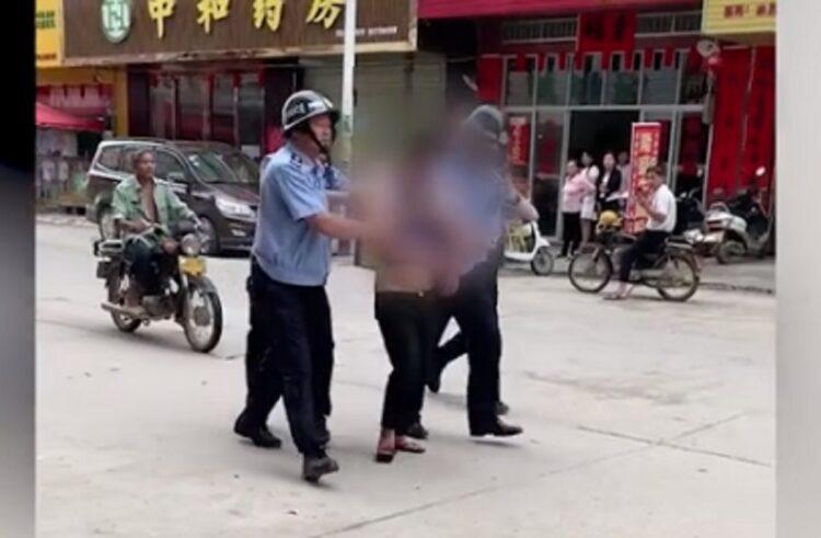 В Китае мужчина напал на детский сад и ранил 18 человек 1