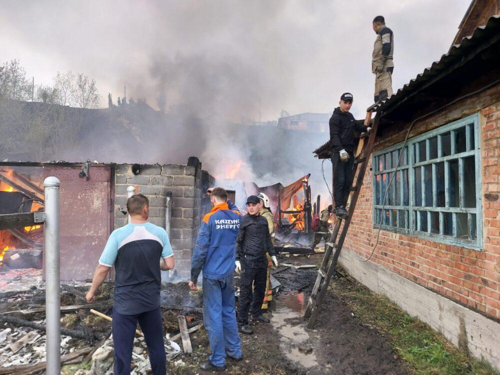 Один человек умер, двое пострадали в результате лесного пожара в ВКО 1
