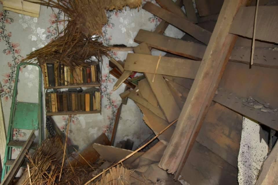 В Алматы обрушилась крыша дома, едва не убив жильцов 3