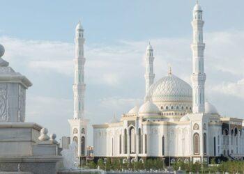 Мусульмане смогут встретить праздничный Ораза айт намаз во дворах мечетей Казахстана 1