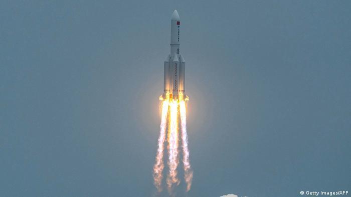 Обломки 18-тонной китайской ракеты упали в Индийский океан 1