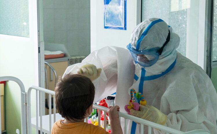 Эпидемиолог назвал признаки тяжелого течения COVID-19 у детей 1