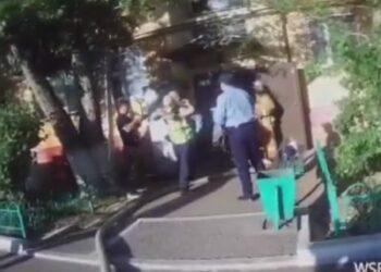 Спасение младенца из пожара попало на полицейский видеожетон в Нур-Султане 3